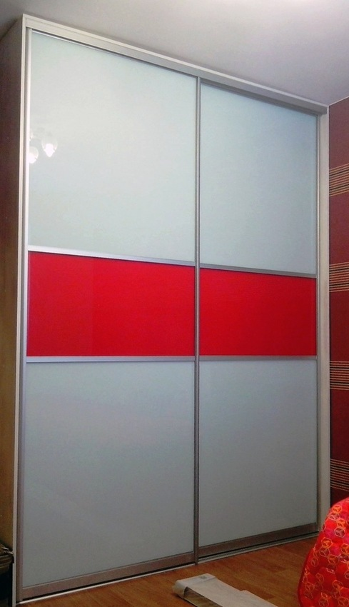 Белые шкафы-купе-Шкаф-купе из стекла c Oracal «Модель 395»-фото1