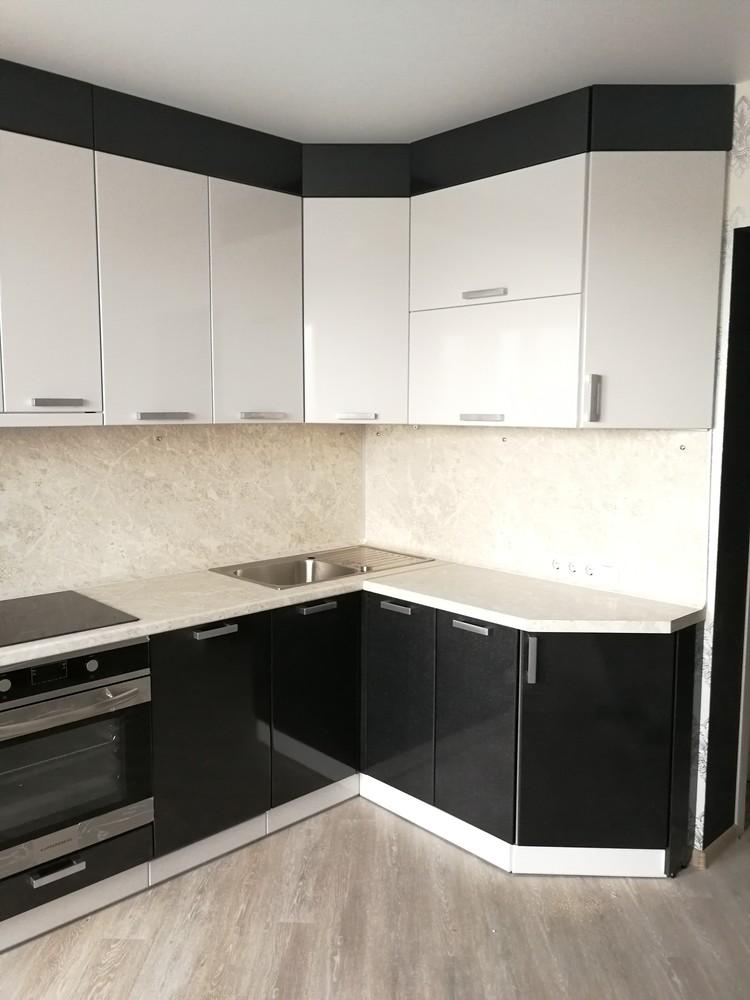 Белый кухонный гарнитур-Кухня МДФ в ПВХ «Модель 520»-фото3