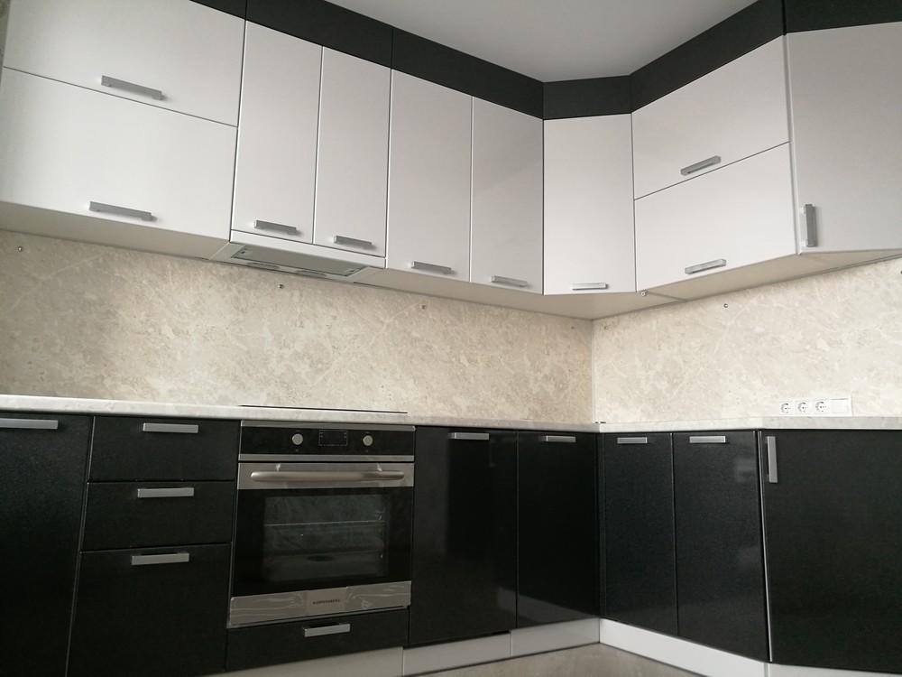 Белый кухонный гарнитур-Кухня МДФ в ПВХ «Модель 520»-фото2