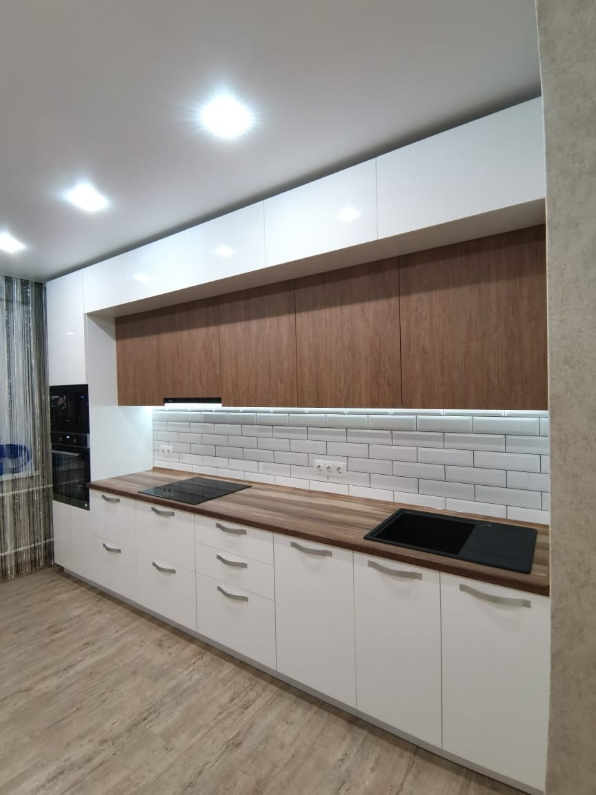 Белый кухонный гарнитур-Кухня МДФ в ПВХ «Модель 577»-фото1