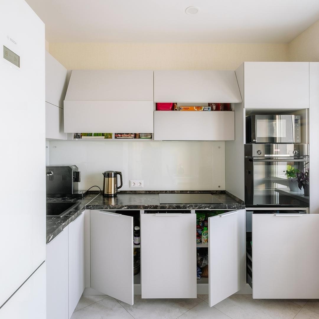 Белый кухонный гарнитур-Кухня из пластика «Модель 610»-фото3