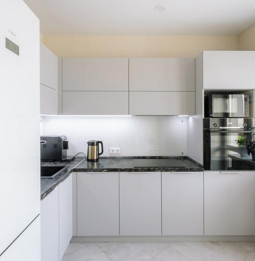 Белый кухонный гарнитур-Кухня из пластика «Модель 610»-фото5